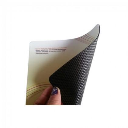 Mouse Pad Retangular de 21,0 x 18,0 cm  Personalizado e Laminado com PVC - Base de Borracha Frisada